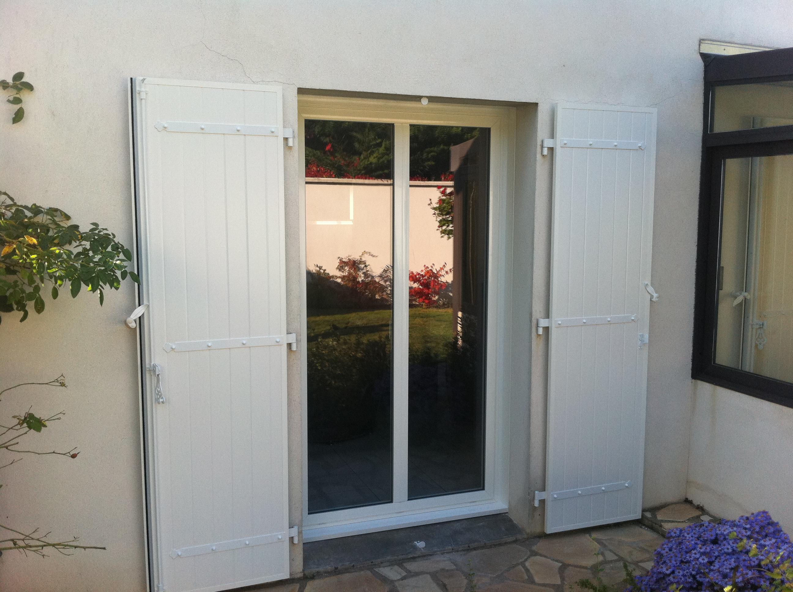 Menuiserie aluminium fen tre alu et porte alu ouverture for Peindre fenetre aluminium
