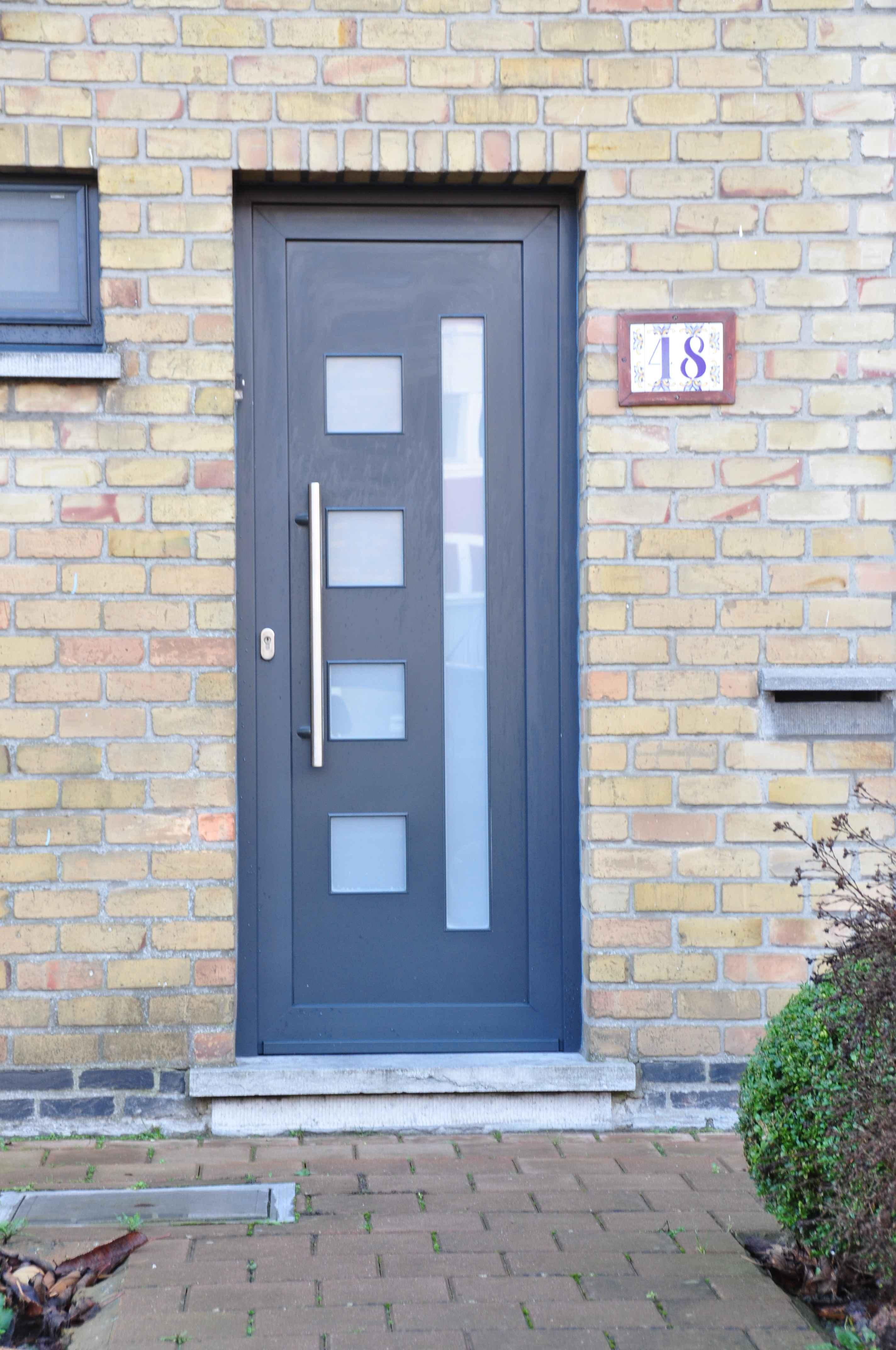 Porte d 39 entr e pvc ou porte alu en neuve ou r novation for Isolation porte d entree appartement